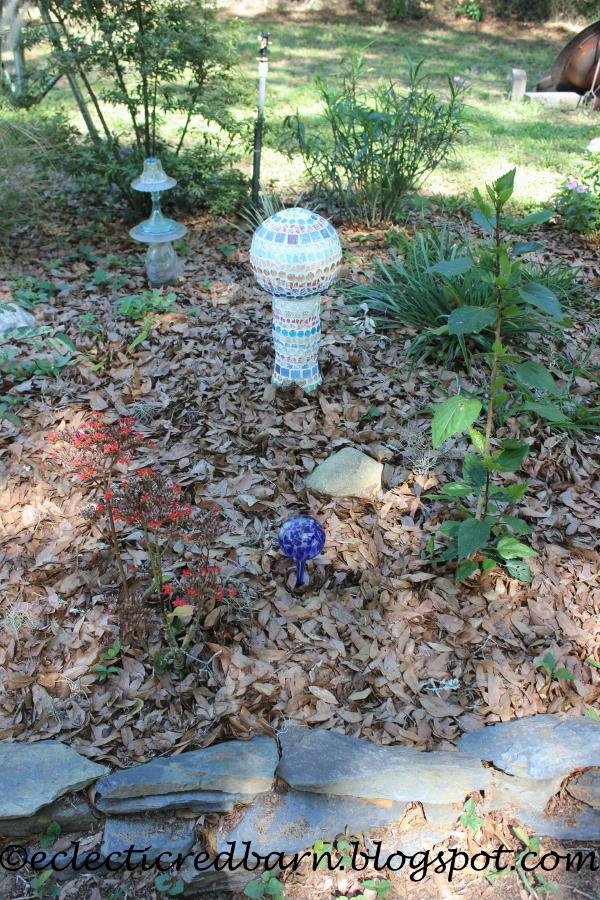 Exceptionnel Eclectic Red Barn: Decorative Garden Art In The Garden