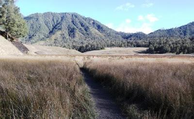 Tempat Wisata di Lumajang - Gunung Semeru - Perjalanan