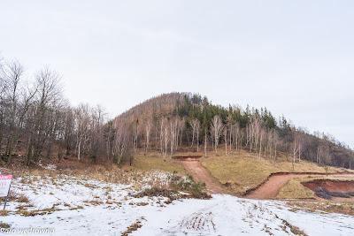 Kozioł i pasmo Wołowca widziane z Przełęczy Koziej