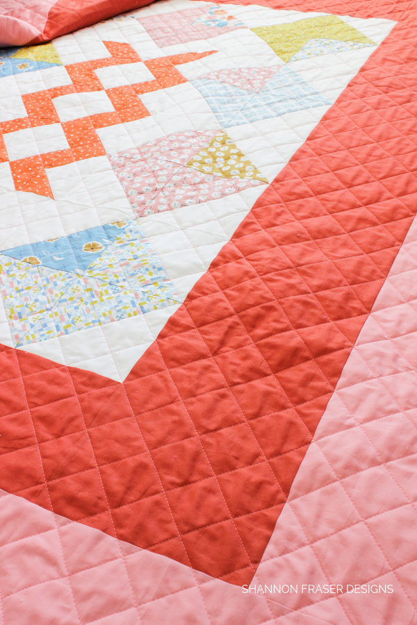 Harvest Falls Quilt featuring crosshatch quilting | Shannon Fraser Designs #crosshatchquilting #quilting