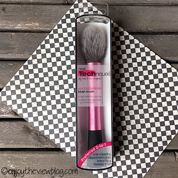 Real Techniques® Blush Brush