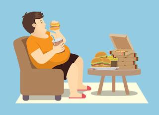 ما الذي يحدث لجسدك عندما تفرط في تناول الطعام ؟