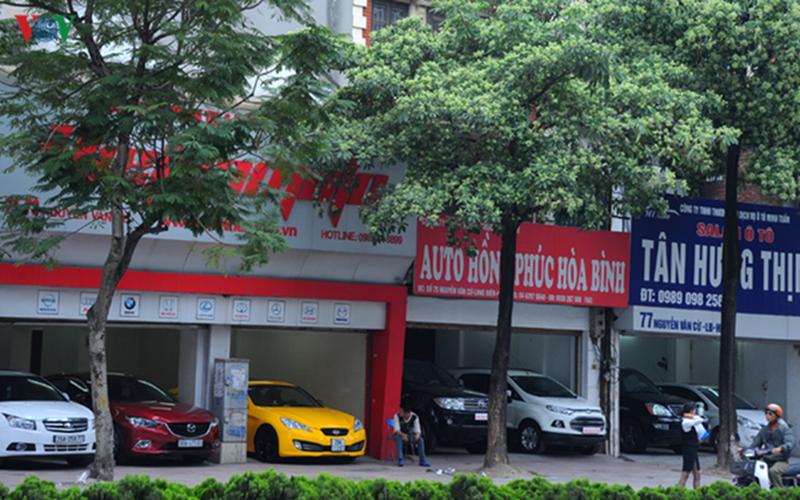 Thị trường xe cũ: Xe sang gặp khó, xe giá rẻ lên ngôi