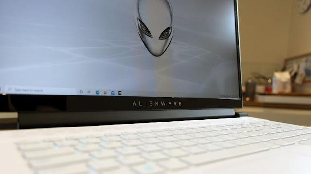 Alienware m17 R4 (2021) Review