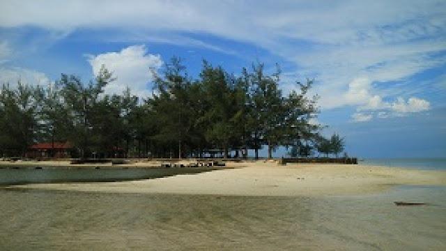 Wisata Alam Teluk Bogam