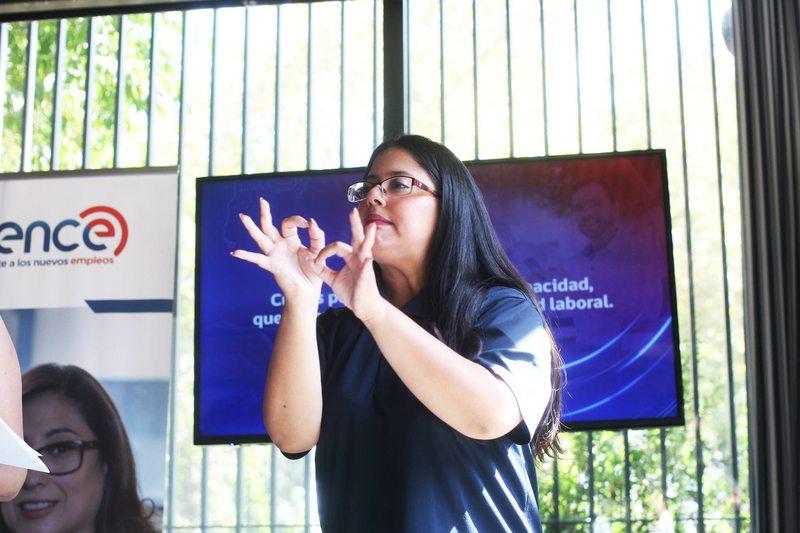 El éxito de los cursos para aprender gratis lengua de señas