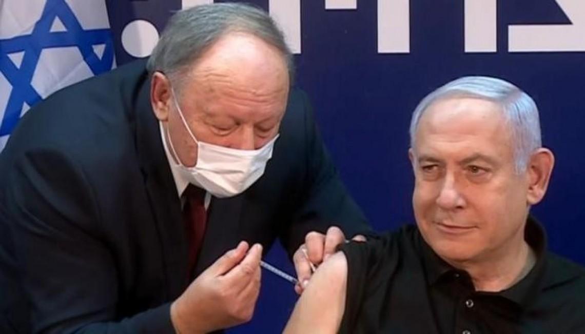 Demi Meyakinkan Warganya, Netanyahu Suntik Vaksin Secara Live