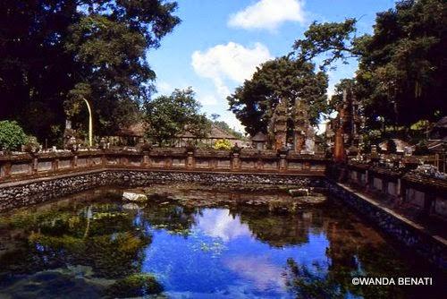 Una vasca del complesso di Tirrta Emmpul, a Bali