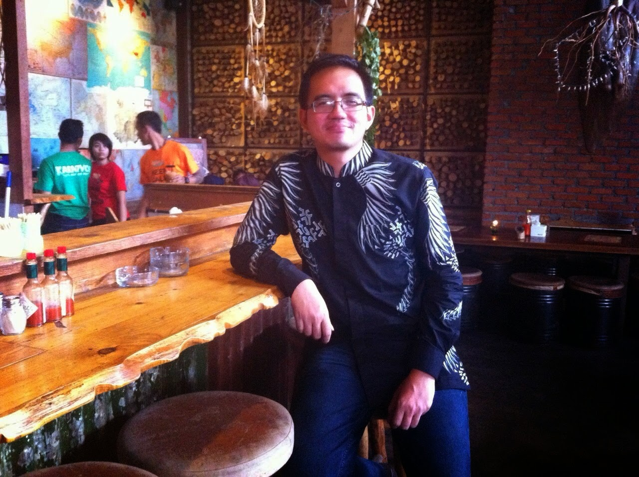 seragam batik solo kalinggo batik tulis motif muman muhamad lukman