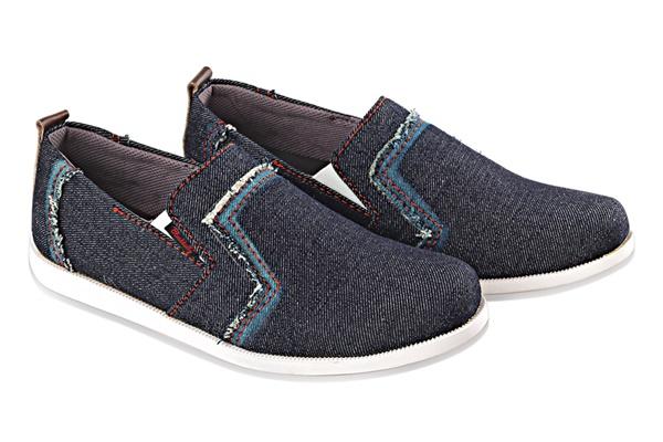 Sepatu Slip On Pria Blackkelly LSM 577