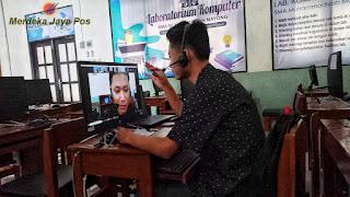 Rifqi Dwi Agustian Siswa SMA MUMA 2 Mayong Juara 2 Lomba Esai Daring Nasional TGA