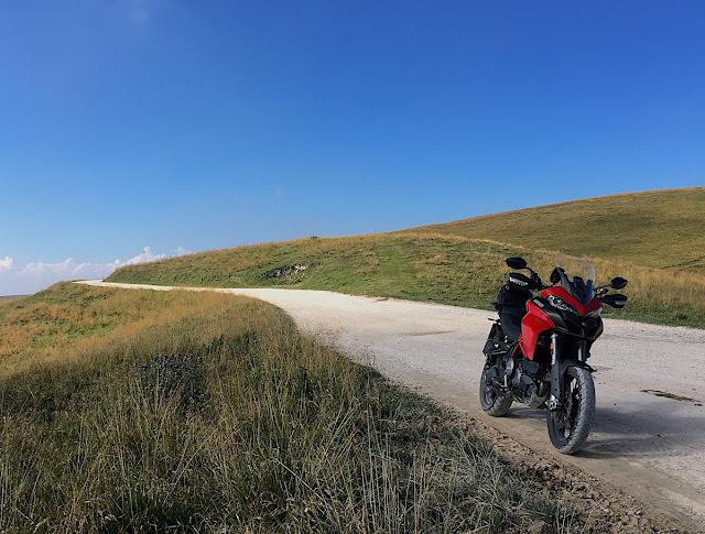 Veneto in moto enduro offroad strada bianca
