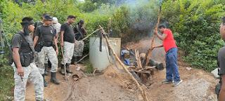 महुआ शराब की दर्जनों भट्ठियां ध्वस्त, 60 लीटर शराब बरामद दो बाइक जब्त