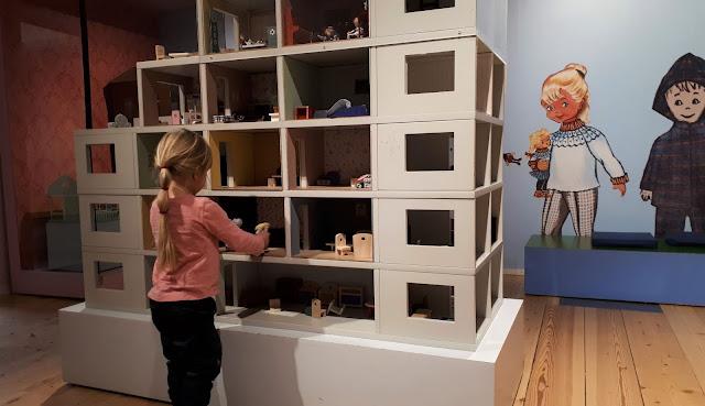Lasten kaupunki, Helsingin kaupunginmuseo, museo, helsinki, lasten kanssa museoon, tekemista lasten kanssa helsinki, nukkekoti, nukkekotileikit
