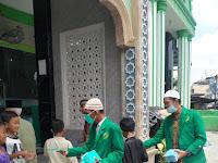 Relawan Rumah Qur'an Mas'ud Silalahi Kembali Beraksi Membagikan Masker & Hand Sanitizer Kepada Jama'ah Sholat Jumat Di Masjid Baiturrahman Kel. Gaharu Kec. Medan Timur