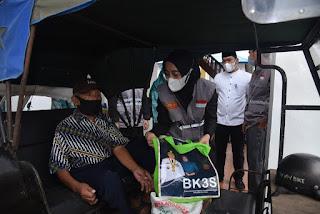 Ketua BK3S  Batu Bara Bagikan Sembako dan Salurkan Bantuan Alquran