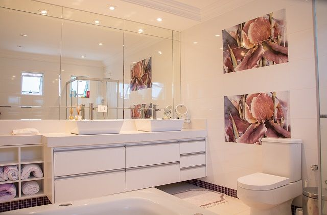 pretty modern bathroom