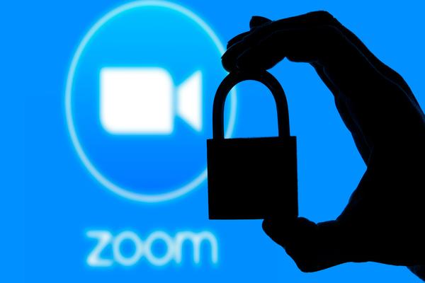 تقارير: الكشف عن ثغرتين أمنيتين في منصة Zoom