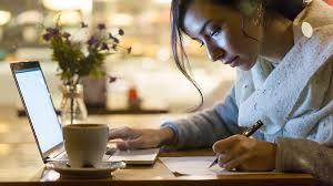 كيف تحدد ساعة العمل الخاصة بك - وكم يستغرق وقتك من المال