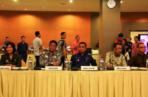 Wabup Kep.Selayar, Hadiri RUPS 2017, Bank Sulselbar Di Makassar