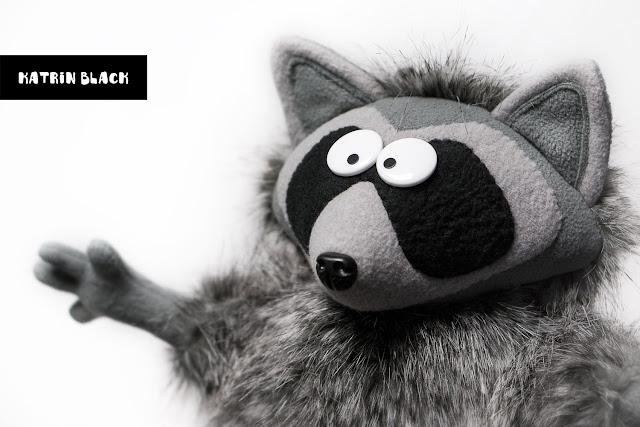 Мягкая игрушка ручной работы - енот из меха.