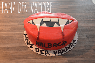 http://melinas-suesses-leben.blogspot.de/2014/03/tanz-der-vampire-motivtorte.html