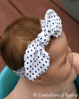 DIY Knotted Headband | by CustodiansofBeauty.blogspot.com