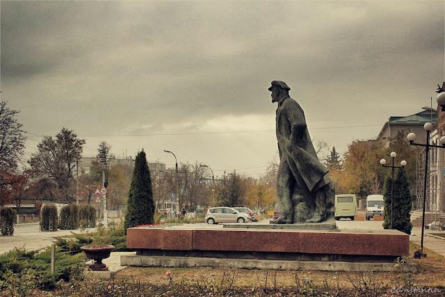 Statuia lui Lenin - Comrat - Gagauzia - blog FOTO-IDEEA