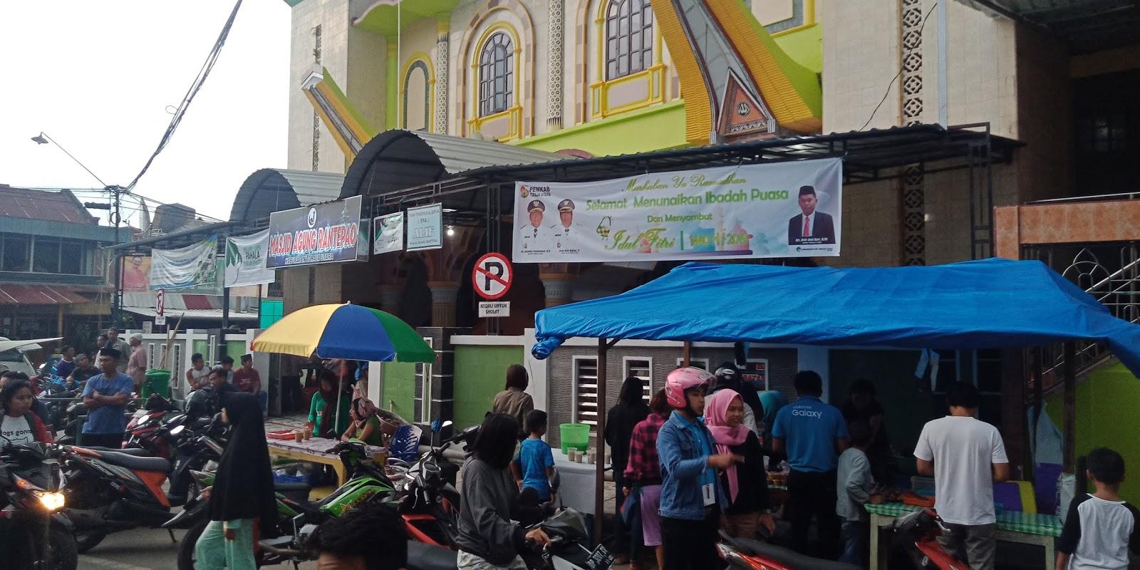 Hari Pertama Puasa, Takjil di Lokasi Masjid Raya Rantepao Jadi Serbuan