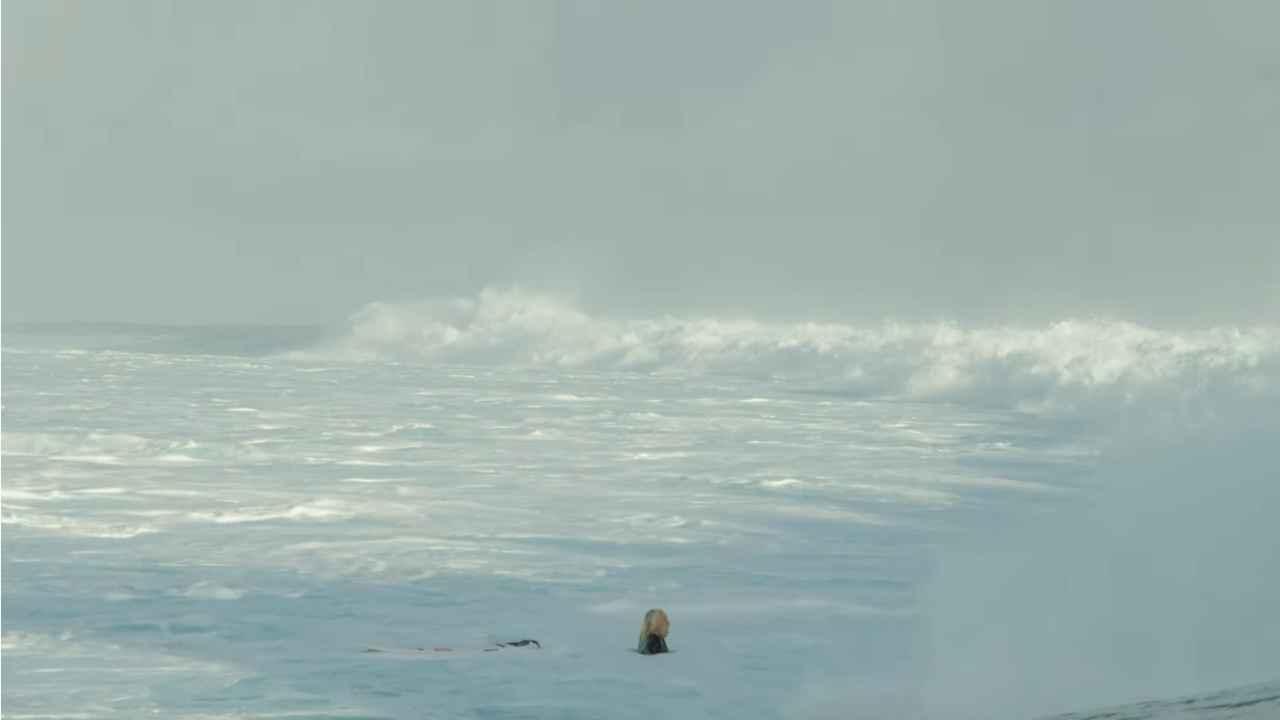 tatiana weston web surfer tahiti 26