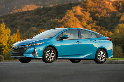 2017 Toyota Prius Prime Side view