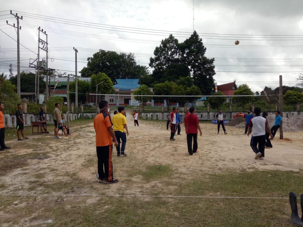 TNI - Polri dan Pemcam di Kotawaringin Lama Kompak Olahraga Bersama