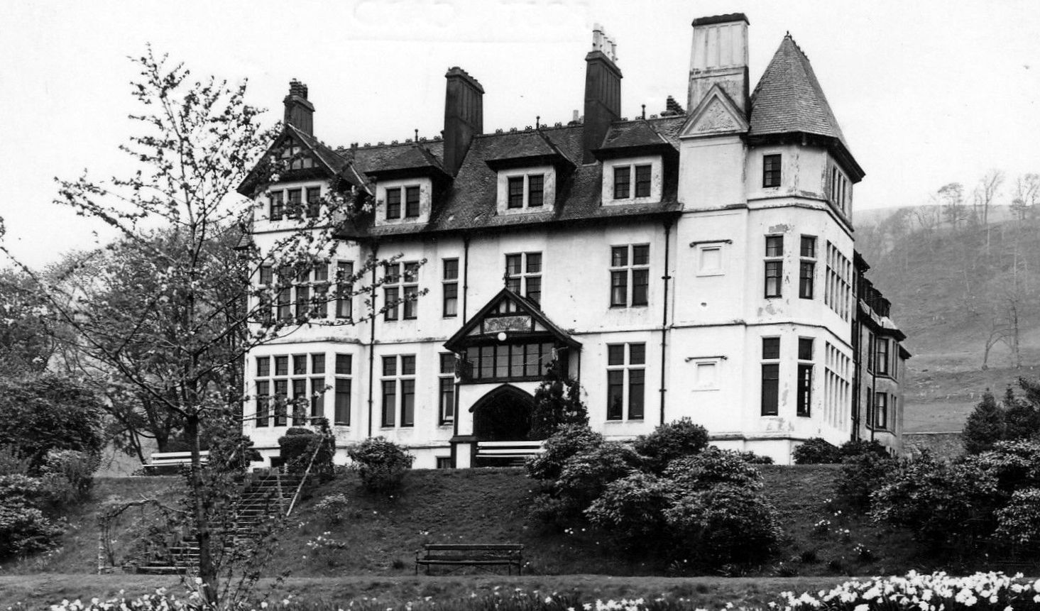 Old Travel Blog Photograph Of The Hills Hotel In Largs Ayrshire Scotland From Its Beginnings As A Small Village Around Kirk Evolved Into