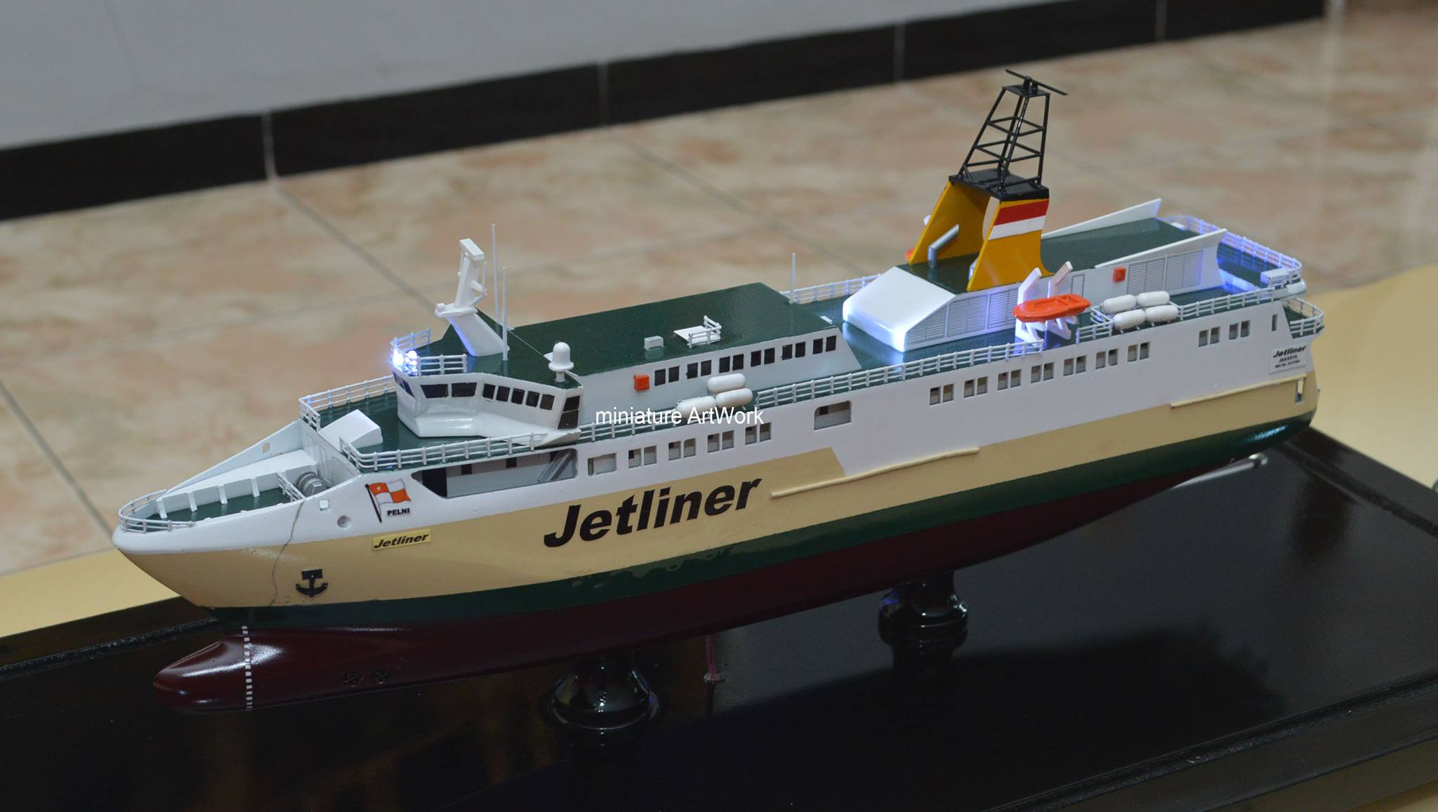foto gambar desain sketsa miniatur kapal ferry cepat kfc jetliner milik pelni rumpun artwork planet kapal indonesia terbaru