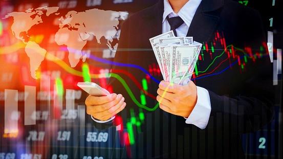 Инвестируем в акции: как правильно и сколько можно заработать?