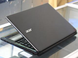 Laptop Acer Aspire E1-410 ( N2820 ) di Malang