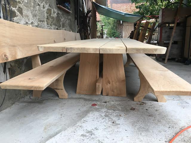 Gartentisch Bänke aus Eiche