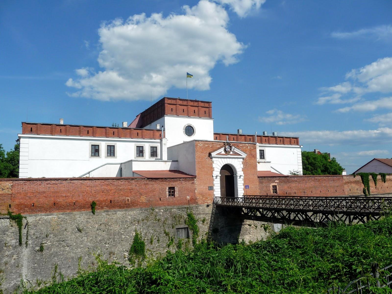 Впечатления от путешествий: Дубенский замок. Неприступная крепость ...