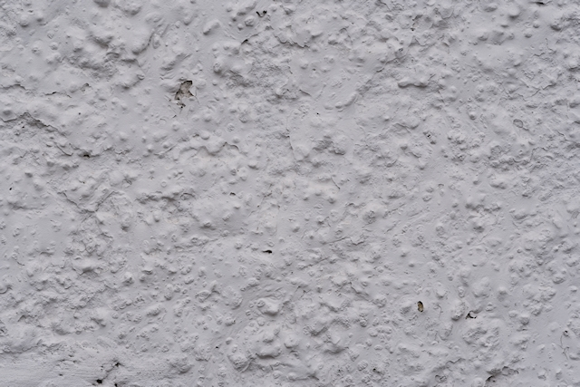 Stucco white with large lumps