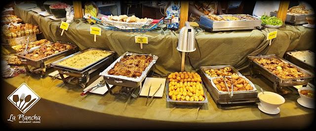 Restaurant, Lounge, bar, Plancha, menu, plat, repas, déjeuner, nourriture, buffet, patisserie, gastronomie, brochettes, poulet, merguez, grillades, viande, cuisine, LEUKSENEGAL, Dakar, Sénégal, Afrique