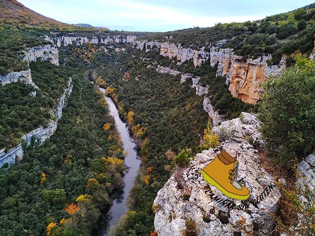 Cañon del río Ebro en Valle de Sedano Burgos visto desde el Mirador