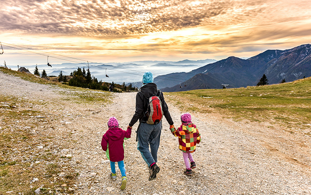Family Travel : To Prepare His Luggage