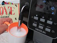 latte schiumato con vaporizzatore macchina per il caffè Power Matic-ccino 6000 della Cecotec