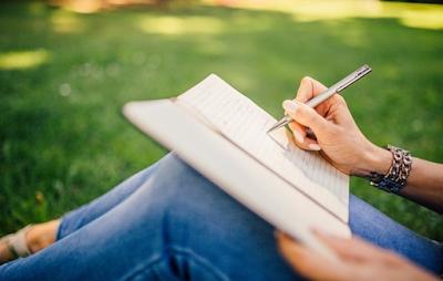 Cara Menulis Blog E-Novel Yang Bertahan Lama