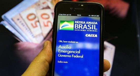 Governo anuncia pagamento do auxílio emergencial que começará em 6 de abril