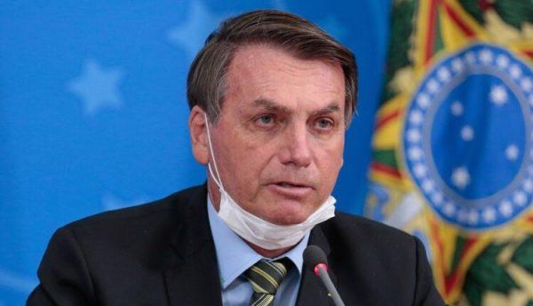 Em isolamento, Bolsonaro fará teste de covid-19 neste fim de semana