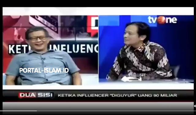 "Momen Rocky Gerung Bikin Baper ""Profesor Beneran Guru Besar"" Staf Ahli Menkominfo"