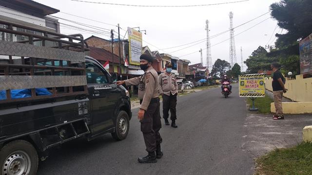 Razia Masker Dilakukan Oleh Personel Jajaran Kodim 0207/Simalungun Bersama Personel Polsek Sidamanik