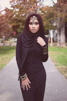 Pinggul indah hijab ketat dan seksi