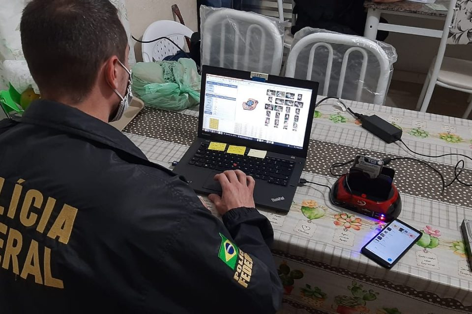 Polícia Federal prende homem suspeito de estuprar crianças de 3 e 5 anos em SP